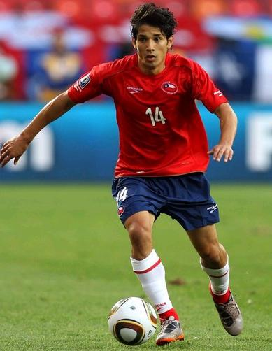 Chile-10-BROOKS-World Cup-home-kit-red-navy-white.jpg