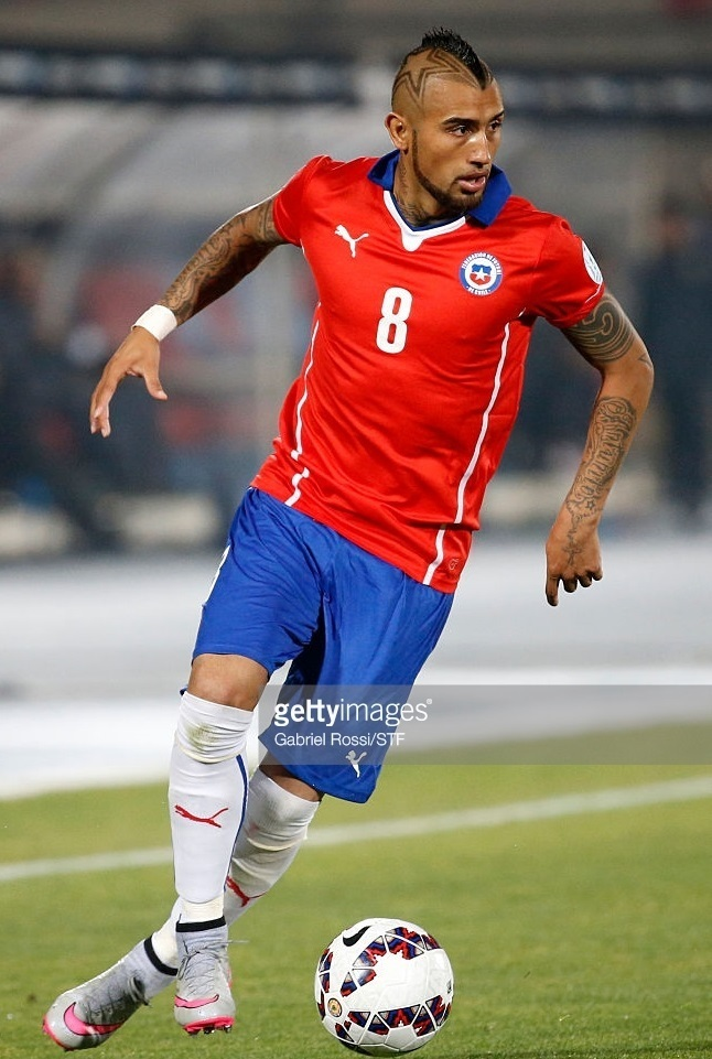 Chile-14-15-PUMA-home-kit-red-blue-white.jpg