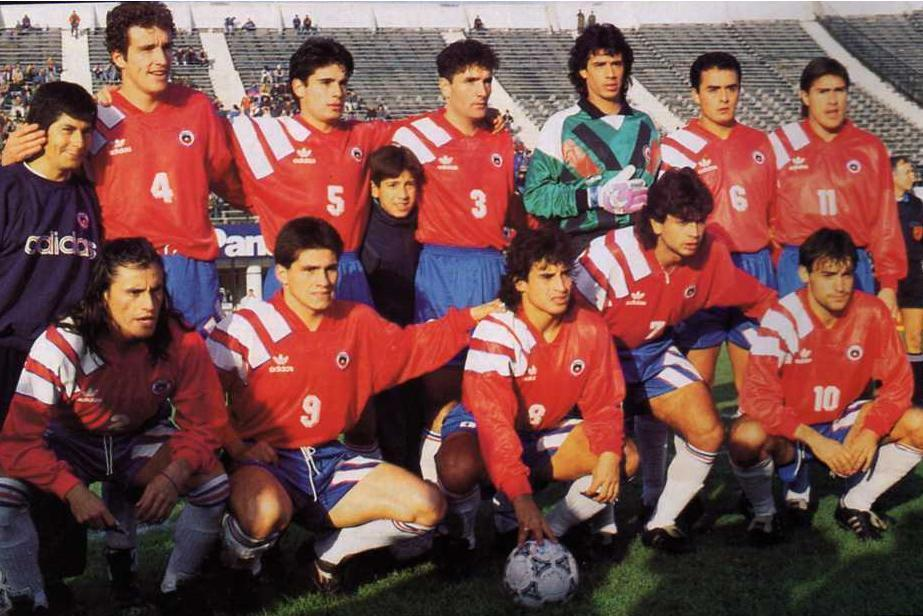 Chile-1993-adidas-home-kit-red-blue-white-line-up.jpg