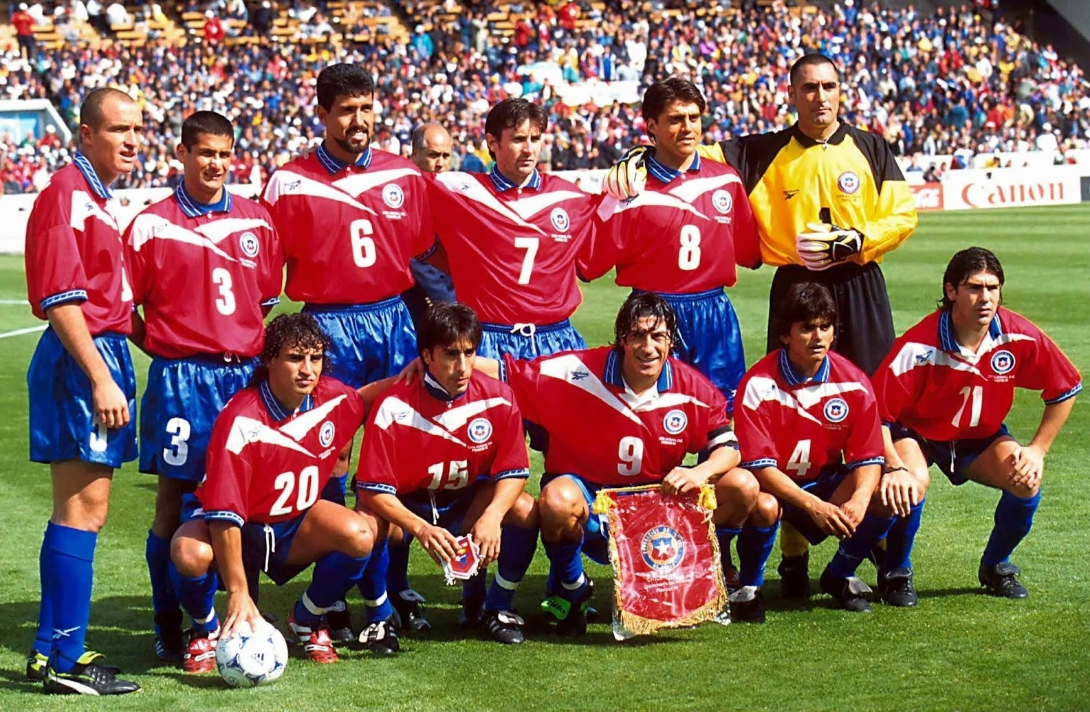 Chile-1998-Reebok-world-cup-home-kit-red-blue-blue-starting-11.jpg