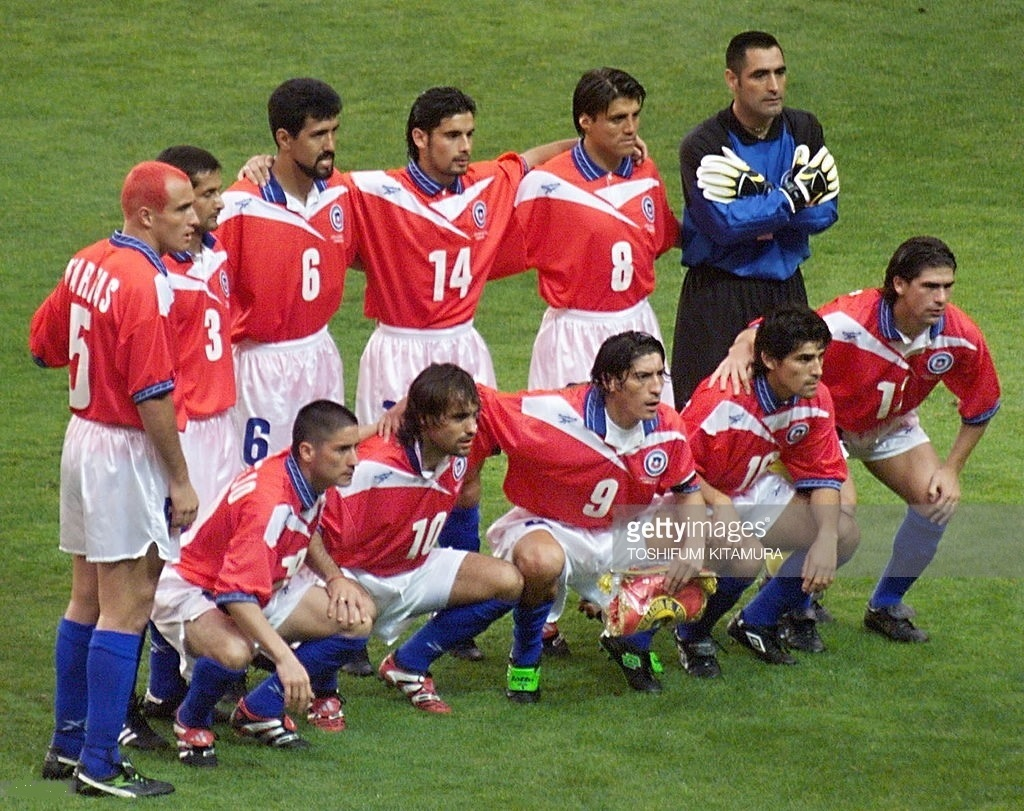 Chile-1998-Reebok-world-cup-home-kit-red-white-blue-starting-11.jpg