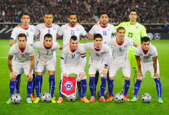 Chile-2014-PUMA-away-kit-white-white-blue-line-up.jpg