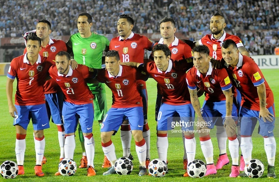 Chile-2015-NIKE-home-kit-red-blue-white-line-up.jpg