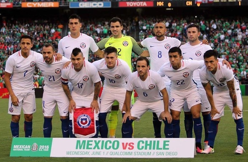 Chile-2016-NIKE-away-kit-white-white-blue-line-up.jpg