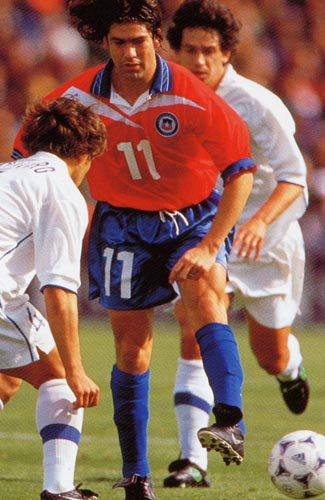 Chile-98-Reebok-uniform-red-blue-blue.JPG