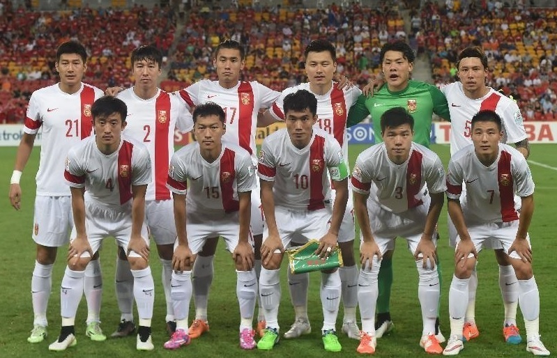 China-PR-2015-NIKE-asian-cup-away-kit-white-white-white-line-up.jpg