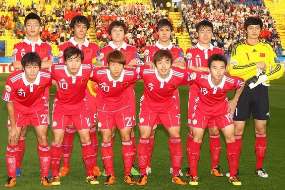 China PR-10-11-adidas-home-kit-red-red-red-line up.JPG