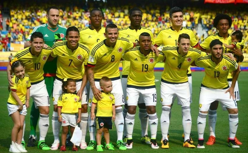 Colombia-2015-adidas-home-kit-yellow-white-white-line-up.jpg