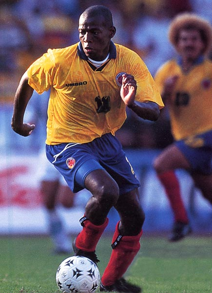 Colombia-97-UMBRO-home-kit-yellow-blue-red-2.JPG