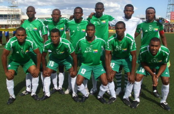 Comoros-10-unknown-green-green-white-line-up.jpg