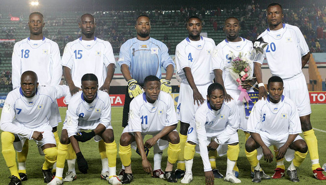 Congo-DR-06-07-AIRNESS-away-kit-white-white-yellow-line-up.jpg