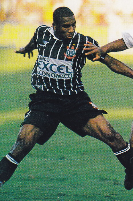 Corinthians-96-98-PENALTY-second-kit-stripe-black-black.jpg