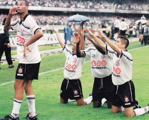 Corinthians-98-PENALTY-first-kit-white-black-white.jpg