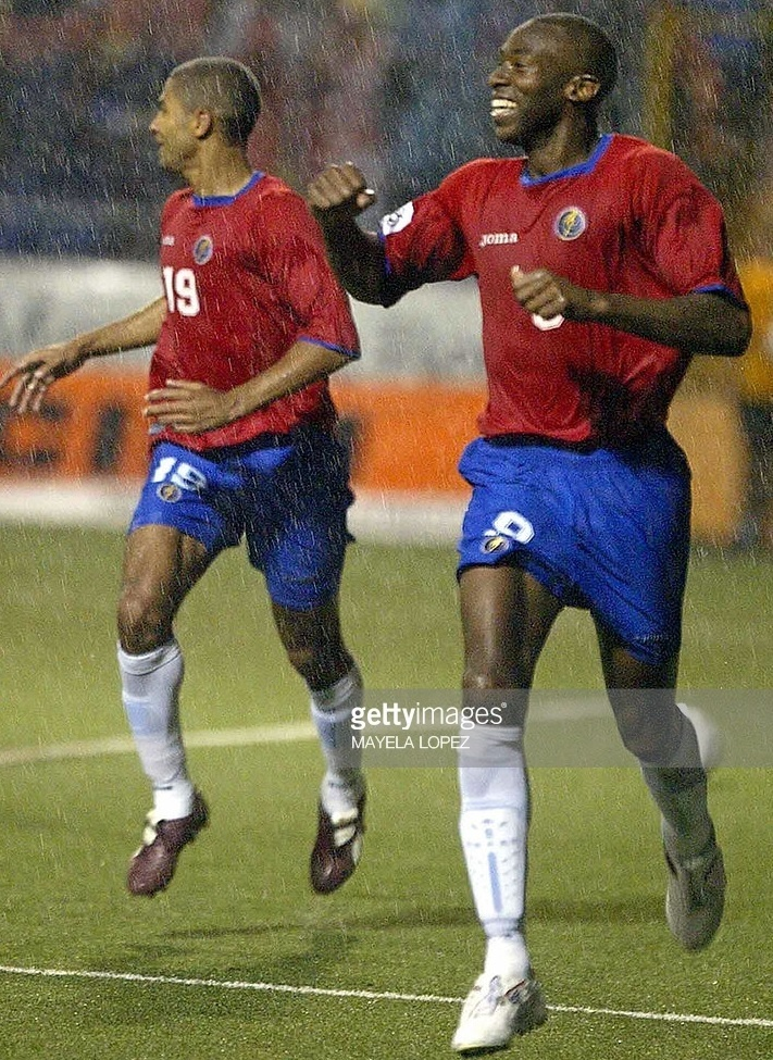 Costa-Rica-05-06-Joma-world-cup-2006-qualifying-home-kit.jpg