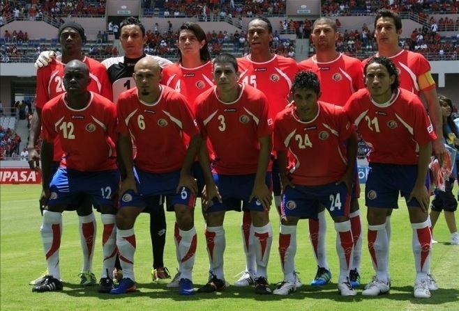 Costa-Rica-11-12-lotto-home-kit-red-blue-white-starting-11.jpg