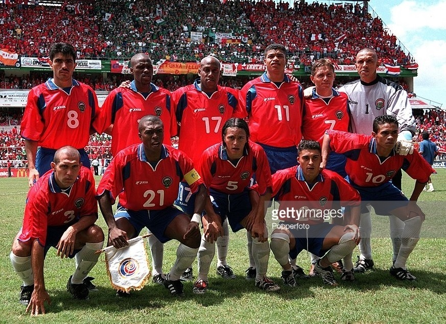 Costa-Rica-2001-Joma-world-cup-qualifying-home-kit-line-up.jpg