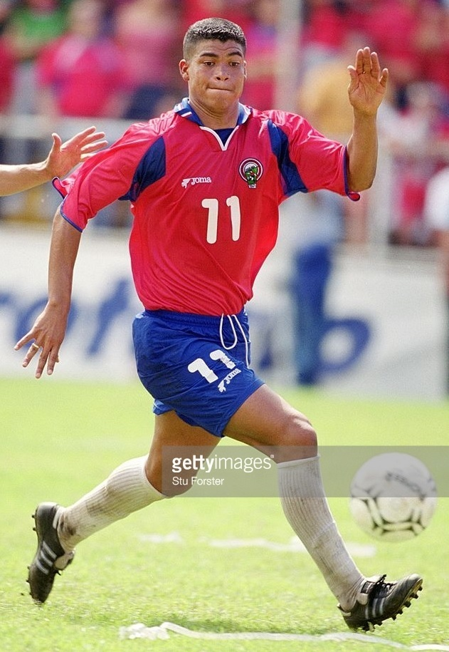 Costa-Rica-2001-Joma-world-cup-qualifying-home-kit.jpg
