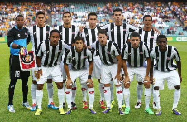 Costa-Rica-2014-lotto-special-stripe-white-white-line-up.jpg