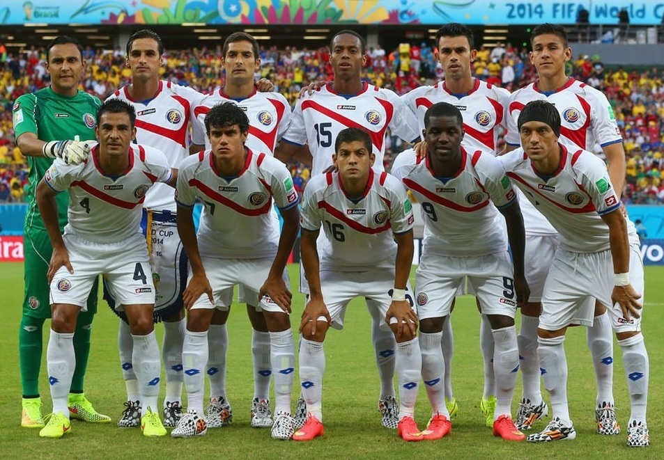 Costa-Rica-2014-lotto-world-cup-away-kit-line-up.jpg