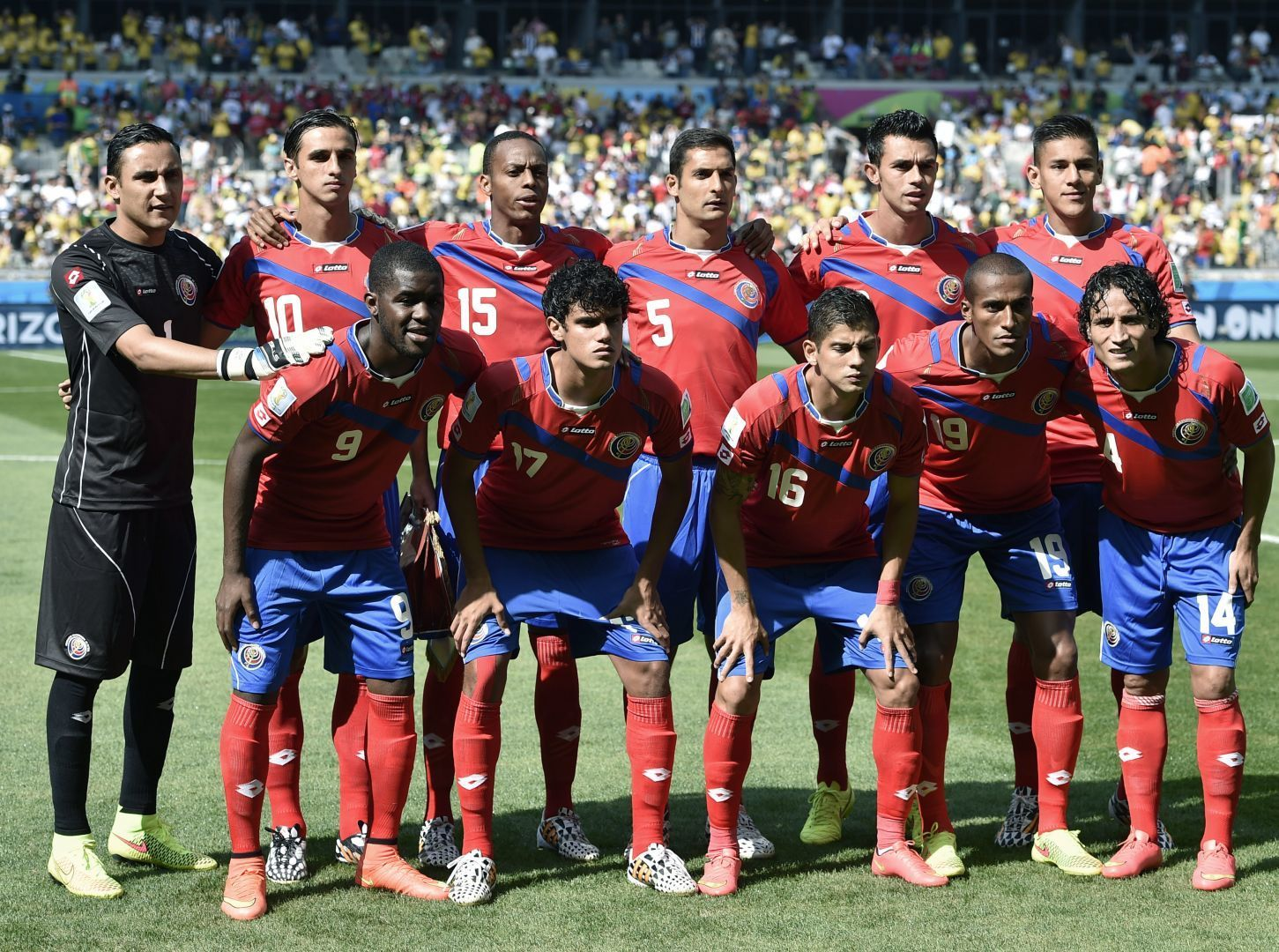 Costa-Rica-2014-lotto-world-cup-home-kit-line-up.jpg