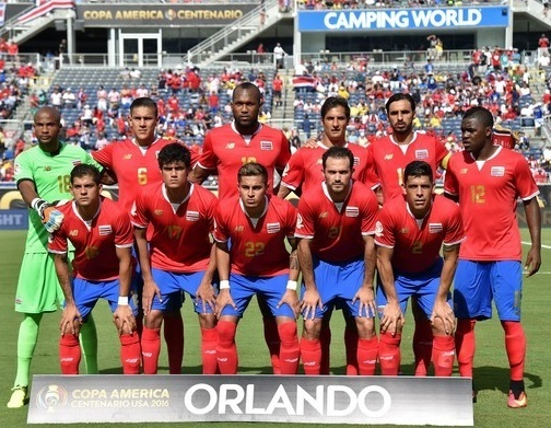 Costa-Rica-2016-NEW-BALANCE-home-kit-red-blue-red-line-up.jpg