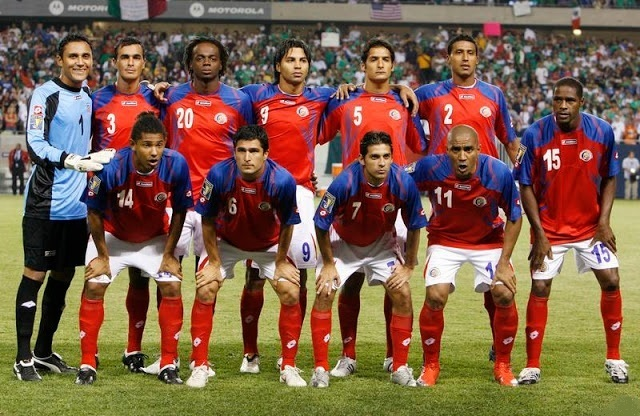 Costa Rica-08-09-lotto-home-kit-red-white-red-starting-11.jpg