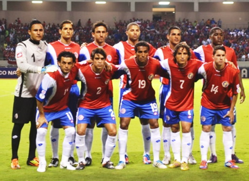 Costa Rica-12-13-lotto-home-kit-red-blue-white-line-up.jpg