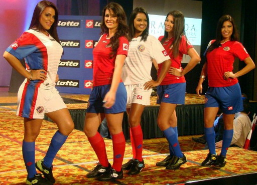 Costa Rica-12-13-lotto-new-home-and-away-kit-2.jpg