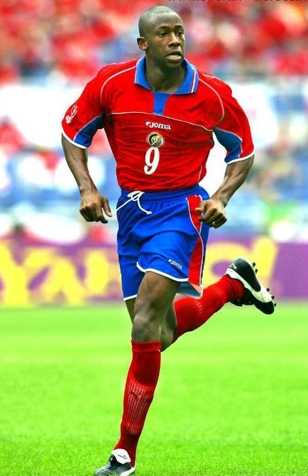 Costa Rica-2002-Joma-world-cup-first-kit.jpg