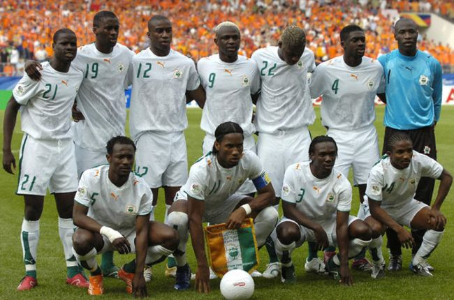 Cote-d'Ivoire-2006-PUMA-world-cup-away-kit-white-white-white-group-photo.jpg