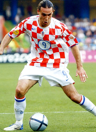 Croatia-04-05-NIKE-uniform-check-white-white.JPG