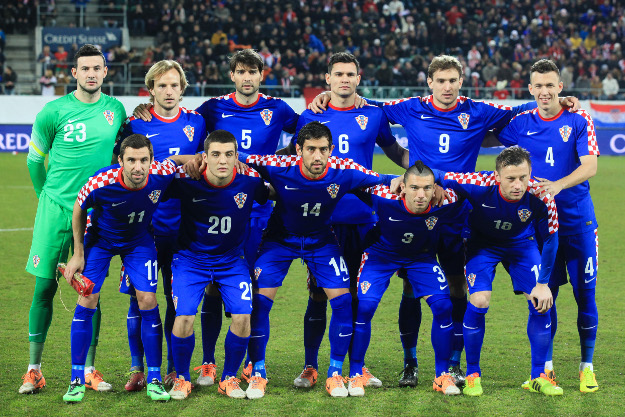 Croatia-14-15-NIKE-away-kit-blue-blue-blue-group-photo.jpg