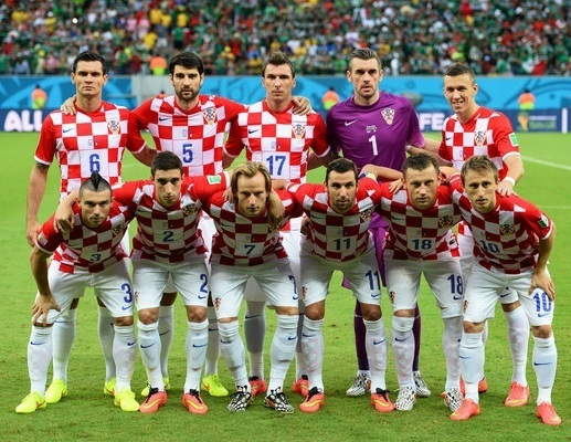 Croatia-2014-world-cup-home-kit-check-white-white-line-up.jpg