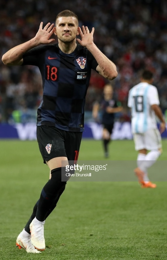 Croatia-2018-NIKE-world-cup-away-kit-check-black-black-Ante-Rebic.jpg
