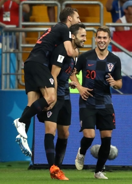 Croatia-2018-NIKE-world-cup-away-kit-check-black-black-Milan-Badelj.jpg