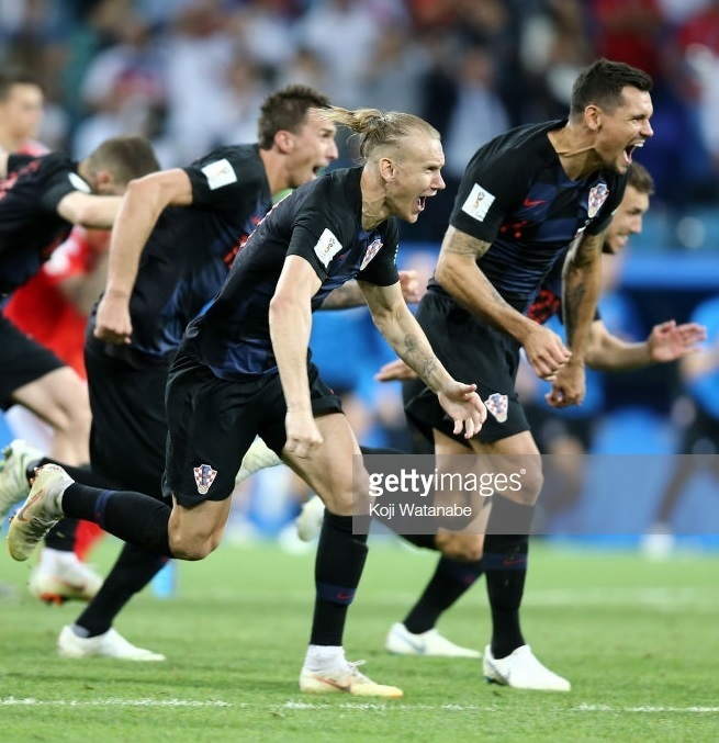 Croatia-2018-NIKE-world-cup-away-kit-check-black-black-penalty-shoot-out.jpg