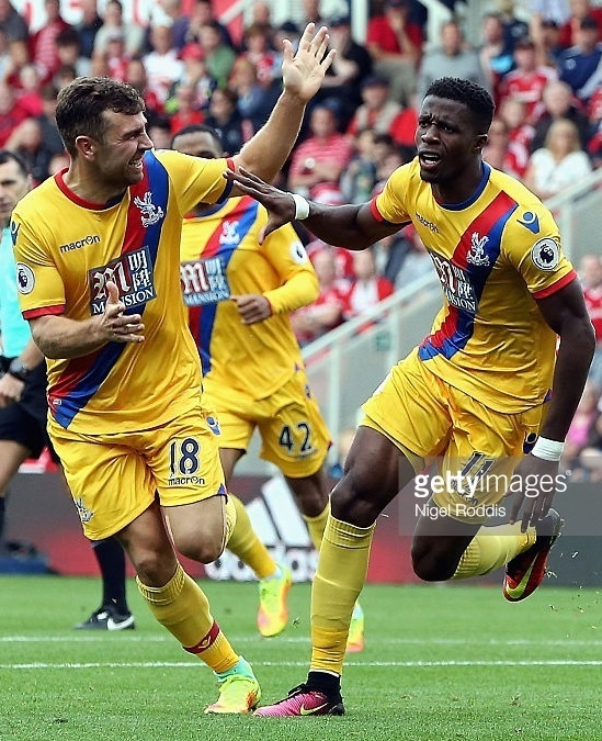 Crystal-Palace-2016-17-macron-away-kit.jpg