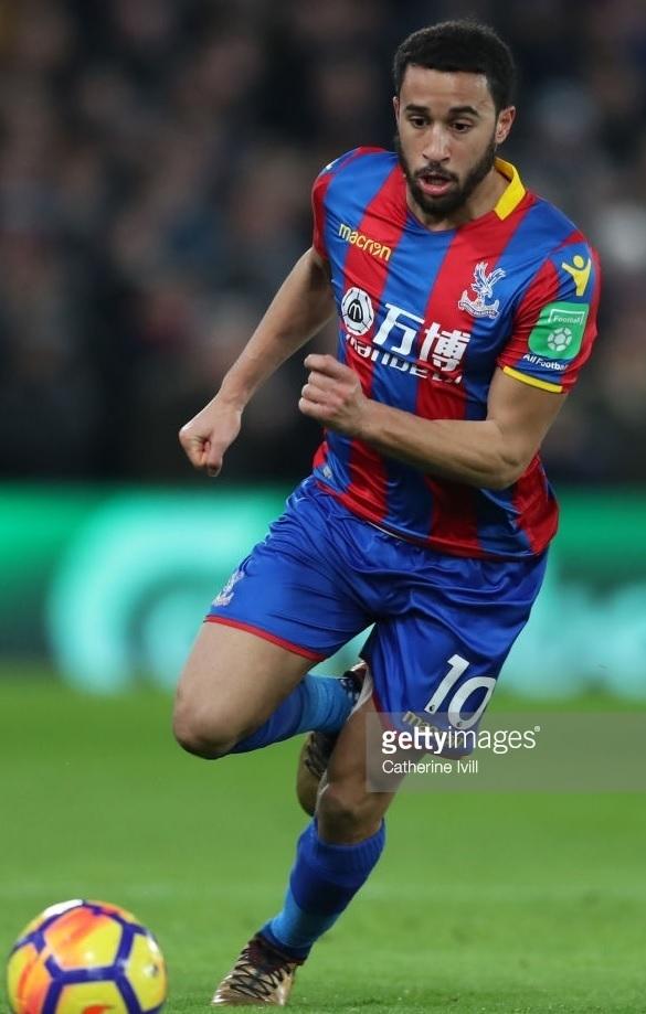 Crystal-Palace-2017-18-macron-home-kit-Andros-Townsend.jpg
