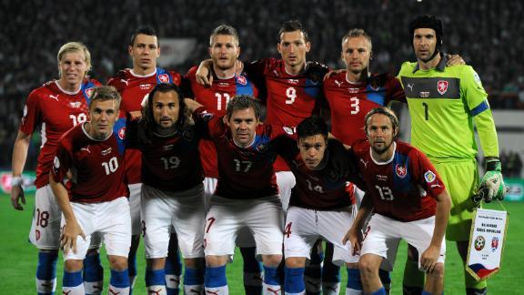 Czech-12-13-PUMA-home-kit-red-white-blue-line-up.JPG