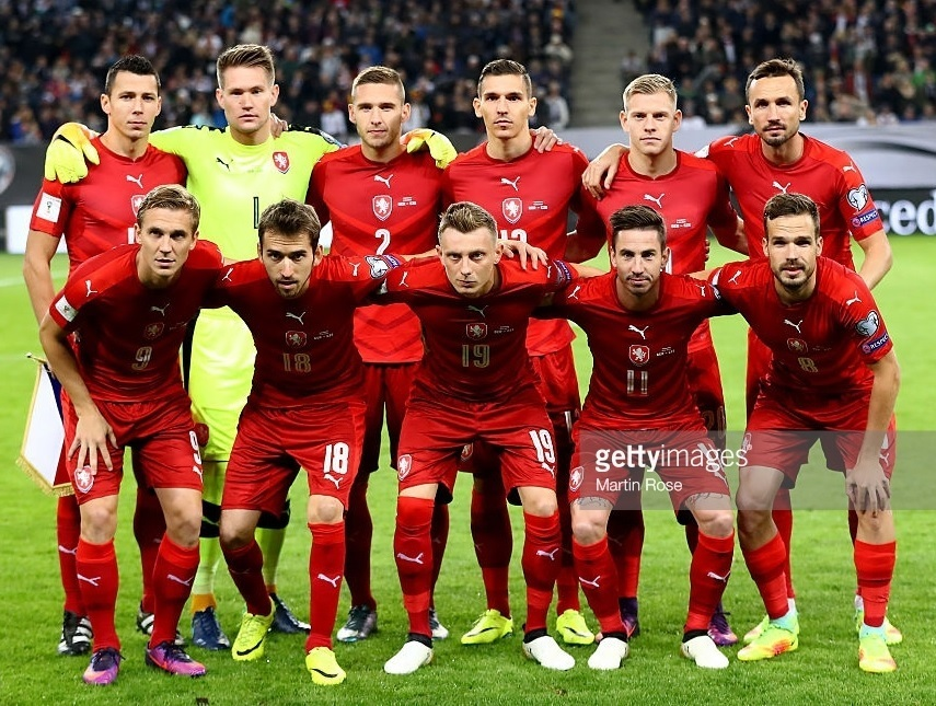Czech-2016-17-PUMA-home-kit-red-red-red-line-up.jpg