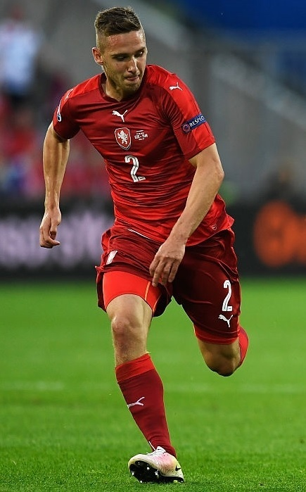 Czech-2016-PUMA-EURO-home-kit.jpg
