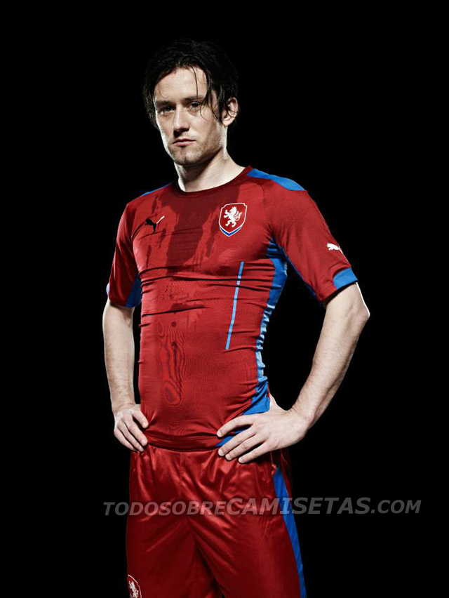 Czech-Republic-2014-PUMA-home-kit-1.jpg