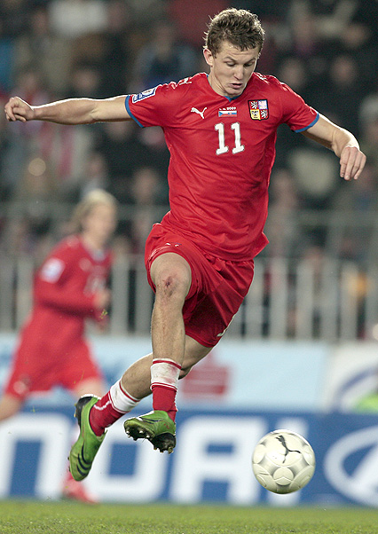 Czech Rep.-08-09-PUMA-home-uniform-red-red-red.JPG