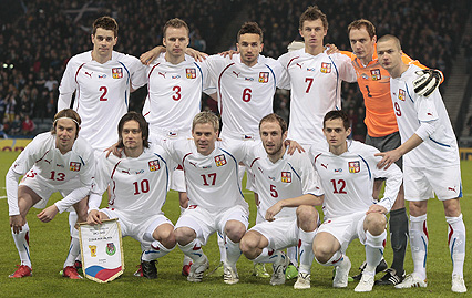 Czech Rep.-10-11-PUMA-away-uniform-white-white-white-group.JPG