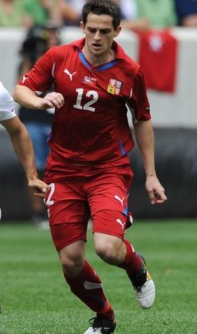 Czech Rep.-10-11-PUMA-home-kit-red-red-red.JPG
