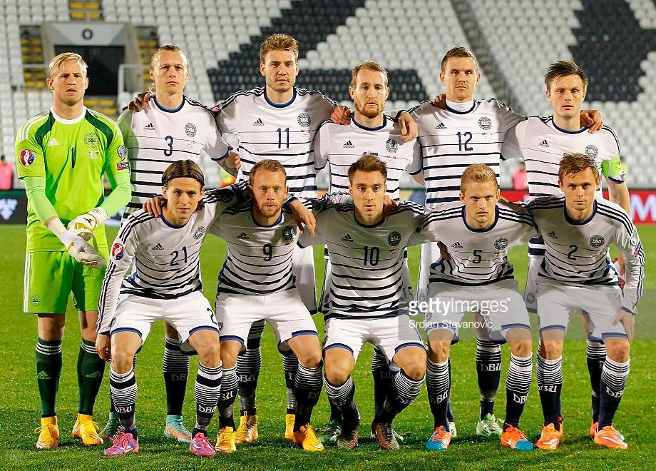 Denmark-14-15-adidas-away-kit-border-white-navy-line-up.JPG