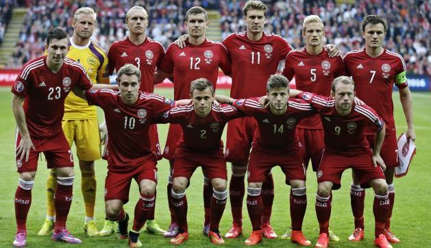 Denmark-14-15-adidas-home-kit-red-red-red-line-up.jpg