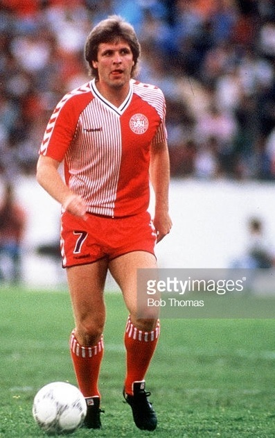 Denmark-1986-hummel-world-cup-home-kit-red-red-red-Jan-Molby.jpg