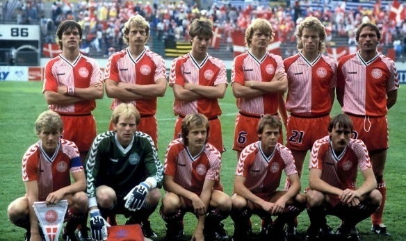 Denmark-1986-hummel-world-cup-home-kit-red-red-red-line-up.jpg