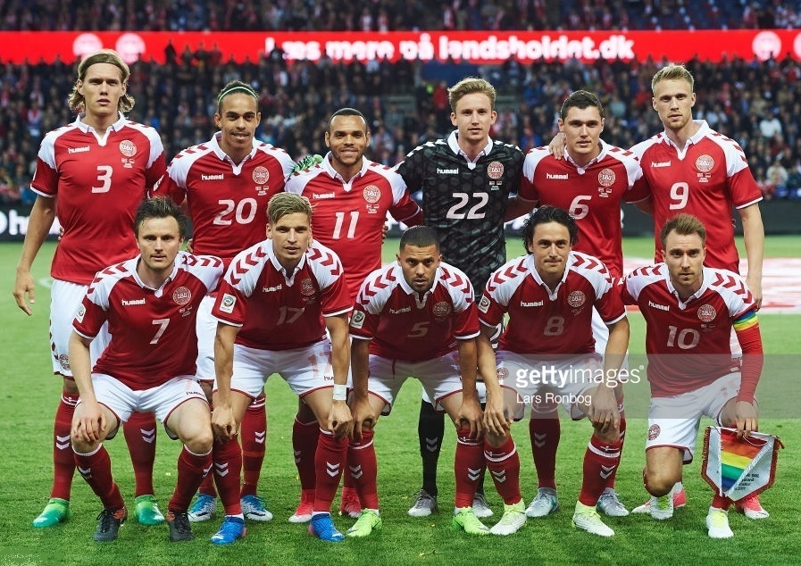 Denmark-2017-hummel-special-kit-red-white-red-line-up.jpg